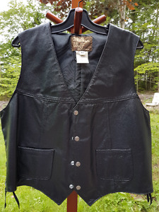 SOLD! Men's black leather vest sz 46
