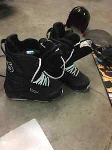 excellent condition snowboard gear Prince George British Columbia image 4