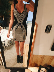 Guess bodycon dress retails at $150 never worn