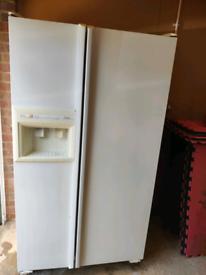 Amana double door American style fridge freezer good clean working con