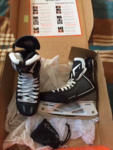 Easton Mako Skates 7D **NEW**