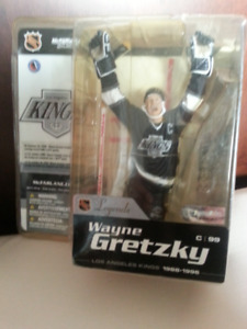 L. A.  KINGS   ..   WAYNE  GRETZKY  FIGURE