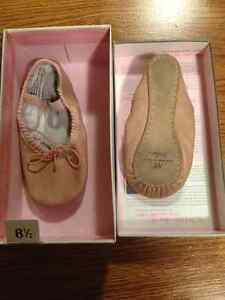 Girls Ballet Shoes Siize 8.5