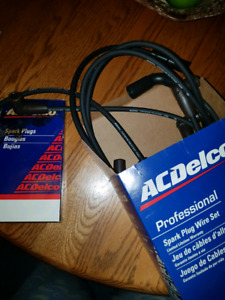 PLUGS AND WIRES LT1 GM 92-97 ACDelco