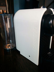 Nespresso machine with frotter