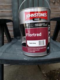 Johnstones deep grey floor paint 5 litres