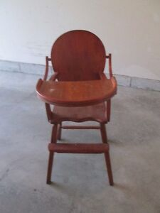 VINTAGE HIGHCHAIR GREAT CONDITION Cornwall Ontario image 1