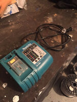 Near New Makita DC18RA Charger