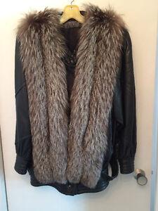 Manteau jacquet cuir de veau noir et renard argenté, dame