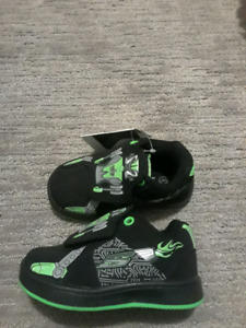 Boys shoes size 6. Brand new