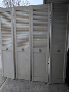 Solid pine Louvered bifolds