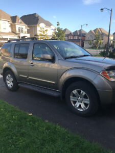 Fully Loaded 2006 Nissan Pathfinder LE For Sale
