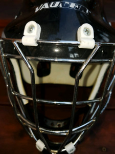BALL HOCKEY GOALIE FACE MASK ONE SIZE FITS ALL!