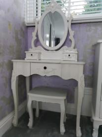 Toulouse Furniture Set