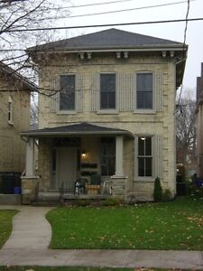MODERN DOWNTOWN STUDENT HOUSING – 4 and 5 BR - $495 per BR London Ontario image 7