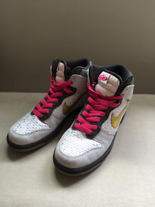 Women's Nike Dunks 6.0 High Tops Excellent Condition