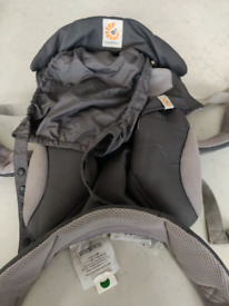 Ergobaby 360 Cool Air // baby carrier // grey