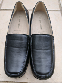 Ladies Ever So Soft Flat Shoes size 7