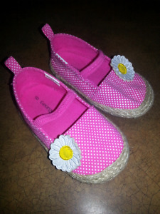 Soulier fille style mocassins taille 6