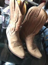 LOBLAN boots