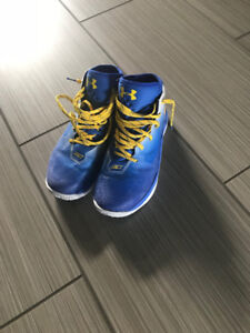 Under Armour Steph Curry Basketball Shoes - Size 7