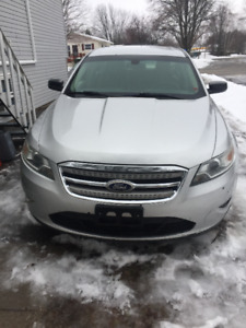 2010 Ford Taurus Like new great car for a small price