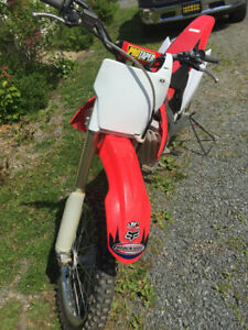Honda CRF450 Dirt Bike in Great Shape!