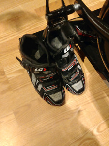 Cycling shoes Cleats Pedals