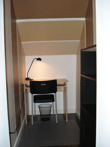All Inclusive 2 Bedroom 1.5 Bathroom and Den. Large Property : ) North Shore Greater Vancouver Area image 5