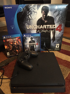 Console PS4 slim version uncharted 4