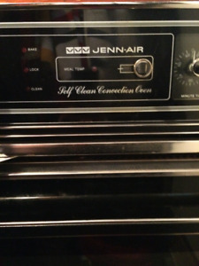 Jenn-Air self cleaning electric convection oven - used