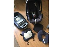 Maxi Cosi Pebble and Family Fix base