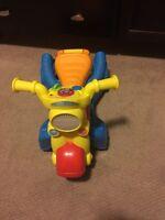 Walker/ride on toy
