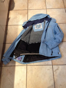 NEVER WORN  SNOWBOARD/SKI JACKET with hood