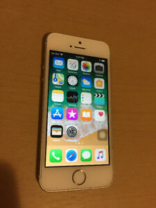 9/10 Condition Rogers, Chatr, Fido 32GB iPhone 5S