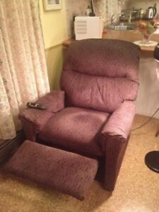 Buy Or Sell Chairs Recliners In Canada Furniture Kijiji