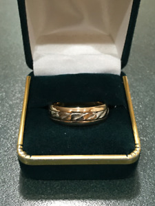 NEW - MAN'S  CELTIC  WEDDING  BAND