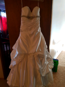 wedding dress white satin with bling SZ 8 for big