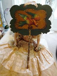 1830 VICTORIAN FACE SCREEN FAN parrot WOOD paper mâché lacquer
