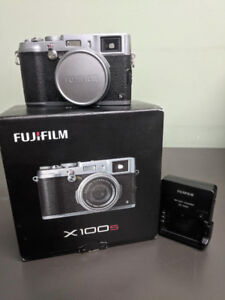 Fuji fujinon fujifilm x100S X100S X100 S DIGITAL camera with box