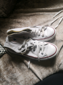 Converse high tops size 4