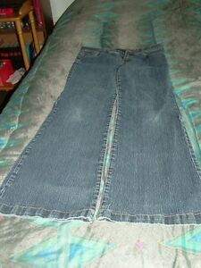 Woman's Jeans Stratford Kitchener Area image 2
