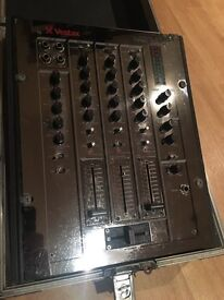 Vestax PMC17A Mixer with flight case
