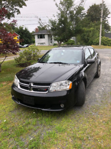 2013 Dodge Avenger - LOW KMs!!!