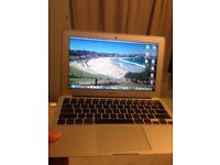 MacBook Air 2015 model nearly new!!!!
