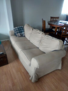 Furniture to give away/sell (Couch, tables, tv/night stand)