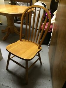 Solid Oak Table & Chairs Stratford Kitchener Area image 5