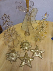 COLLECTION OF ASSORTED DECOROATIVE FESTIVE DECORATION'S