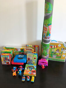 EXCELLECENT CONDITION Sesame Street Collection!!