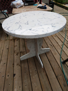 cafe table ?dinning table? backyard table?  bbq table?